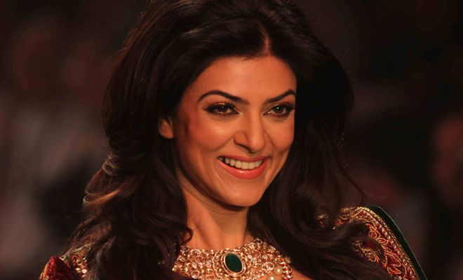 Famous Bollywood Actresses Who Were Molested In Public